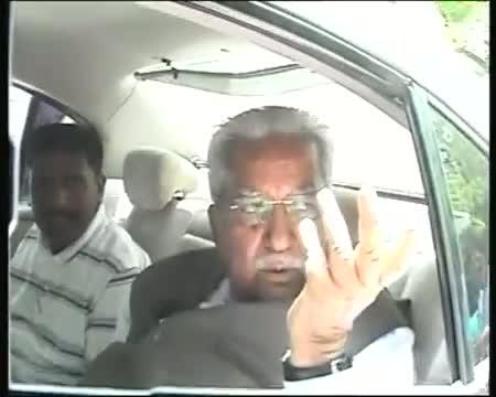 Gujarat BJP rift Keshubhai Patel meets Advani
