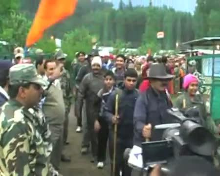 18,000 pilgrims pay obeisance at Amarnath cave shrine