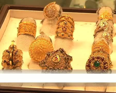 Gold prices bolstered in wedding season