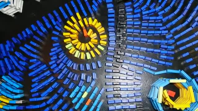 Starry Night - Vincent van Dominogh