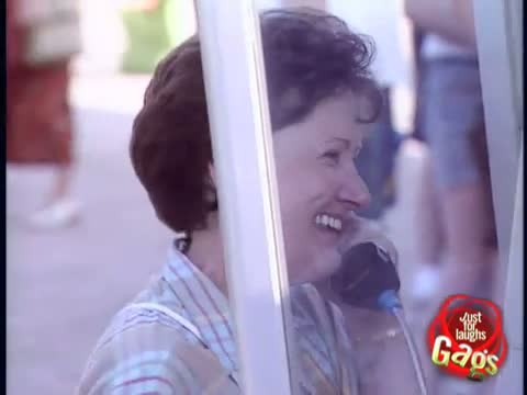 80s Version of Twitter - Payphone Loudspeaker! - Funny Video