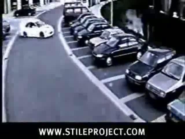 Amazing Pusuasion Maneuver (Car Parking)