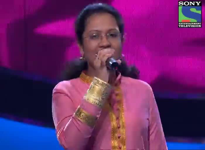 INDIAN IDOL SEASON 6 - EPISODE 14 - BEST PERFORMANCES - SOHINI MISHRA SUNG 'GHUNGHAT KI AAD SE'  - 14TH JULY 2012