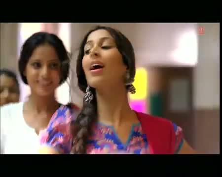 Mera Babu Chhail Chhabila (Hindi Remix Video Song) Feat. Sophie Chaudhary