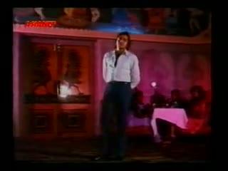 Kuch Log Yahan Par Aise Hain - Vardaan (1974)
