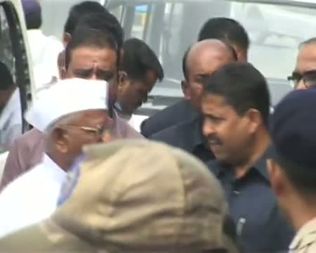 Anna Hazare says he will also fast with his team