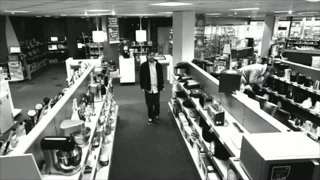 Smart thief caught on camera