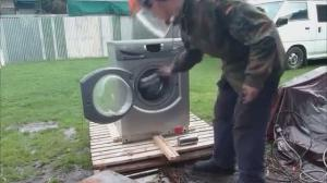 How to destroy a washing machine