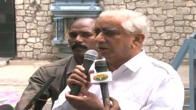 AIADMK backs NDA's VC candidate Jaswant Singh