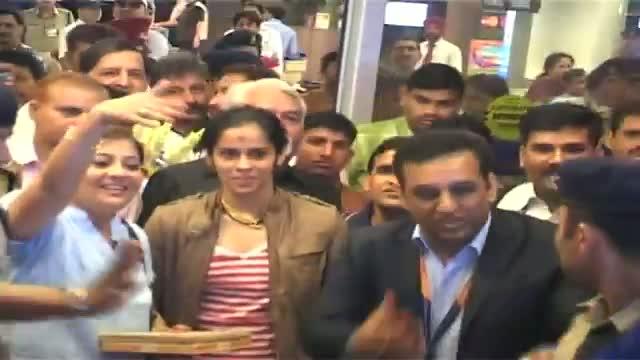 Saina gets a hero's welcome at home