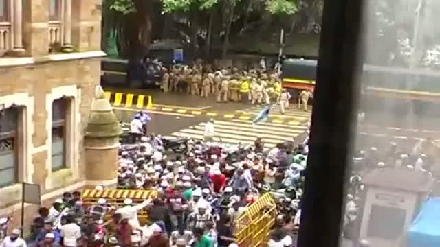Mumbai police was warned of violence Report