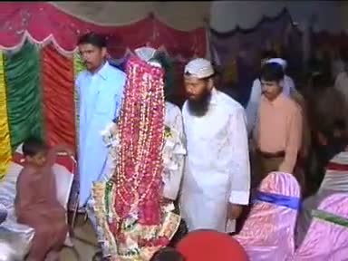 Funny wedding Accident In Pakistan