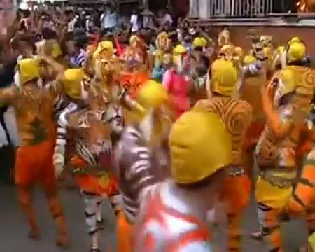 Onam 2012 Tiger Dance or Pulikali Trichur