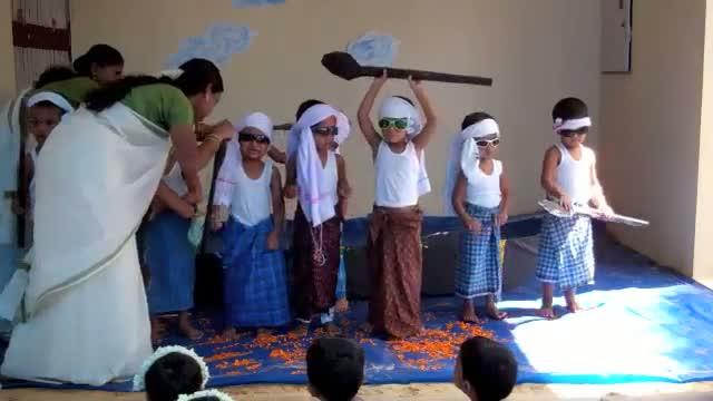 Onam 2012 - Kuttanadan Vallamkali Dance @ The Wonder Years Preschool, Daycare Trivandrum