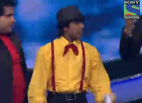 INDIAN IDOL SEASON 6 - GRAND FINALE - EPISODE 28 - SPECIAL MOMENTS - AMIT KUMAR AND RANBIR KAPOOR HAVING FUN ON STAGE - 2ND AUGUST 2012
