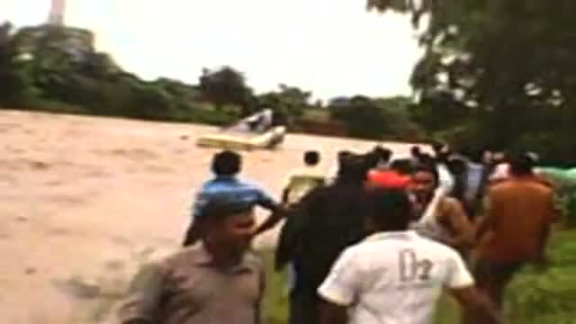 Flash flood washes way bus in West Bengal