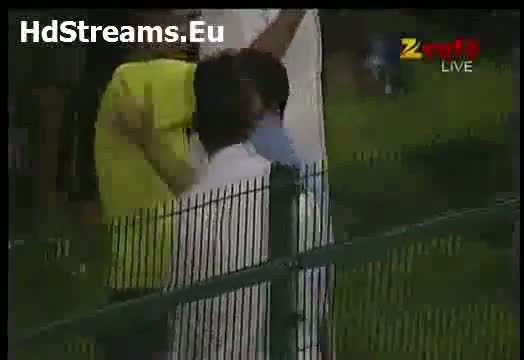Pakistani Fan Gone Crazy After Nasir Jamsheed Six Vs Australia 2nd ODI Abu Dhabi 31 August 2012