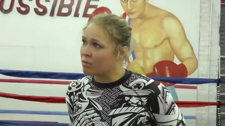 Fighter Ronda Rousey Hates Michael Phelps