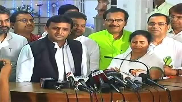 Third front politics SP TMC cosying up