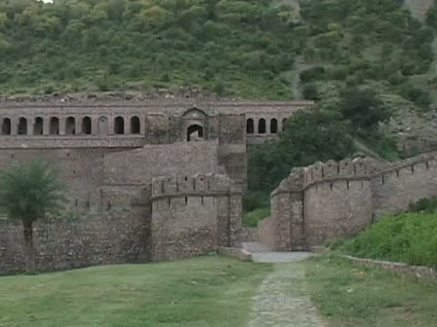 Indian Ghost Town of Bhangarh - Country's List of Haunted Places