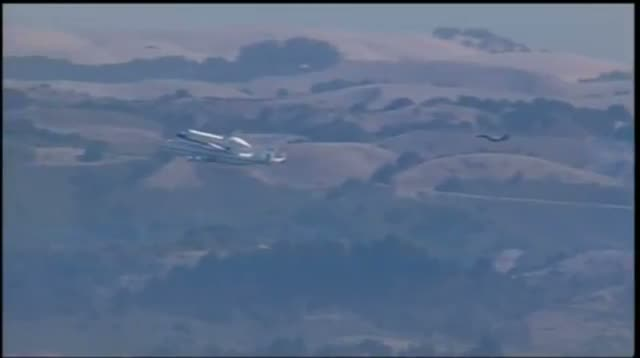 Raw Video - Shuttle Endeavour Soars Over Calif.