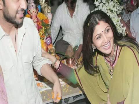 Hrithik Roshan, Salman Khan, Shilpa Shetty Bid Goodbye To Lord Ganesha Video