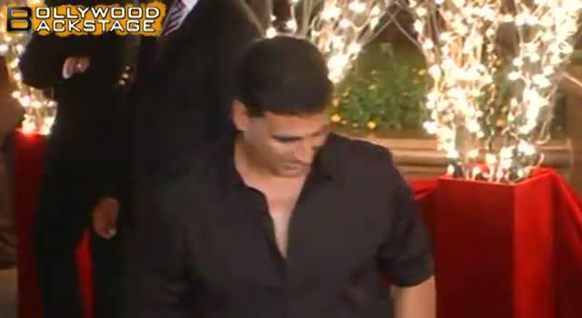 Akshay Kumar & Twinkle Khanna blessed with baby girl