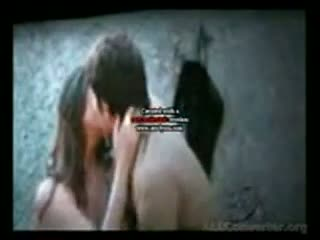 mahi gill hot scene in saheb biwi aur gangster
