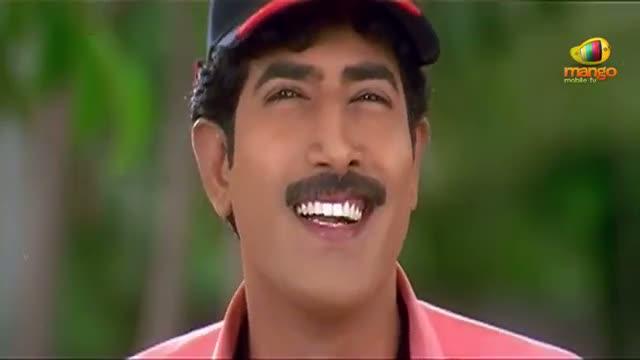 Chirunavvutho Movie Comedy Scenes - Venu helping out Shaheen - Venu, Shaheen - Telugu Cinema Movies