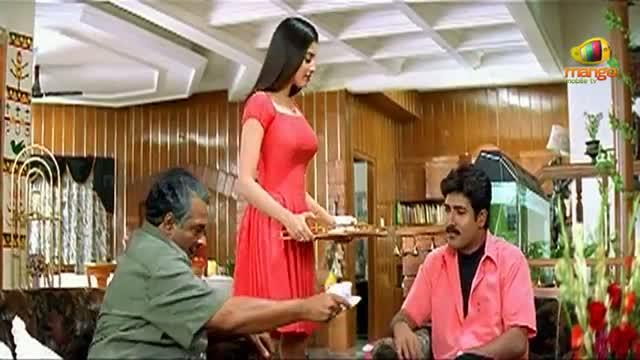 Chirunavvutho Movie Comedy Scenes - Venu meeting friends of Shaheen - Venu, Shaheen - Telugu Cinema Movies