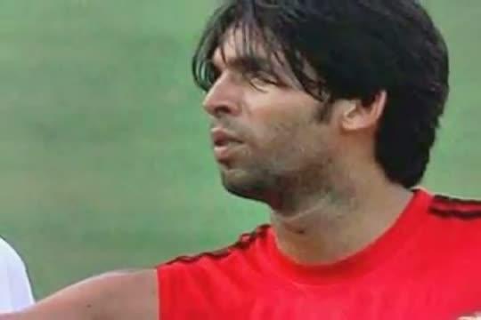 Veena assert ex Mohd Asif is betoot massager then cricketer