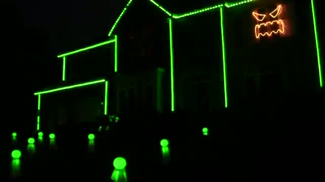 Halloween 2012 Light Show - This is Halloween by Marilyn Manson