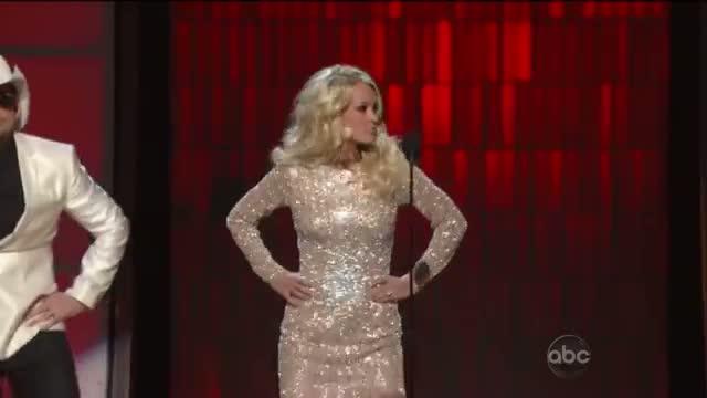 Brad Paisley Carrie Underwood - Gangnam Style - CMA Awards 2012