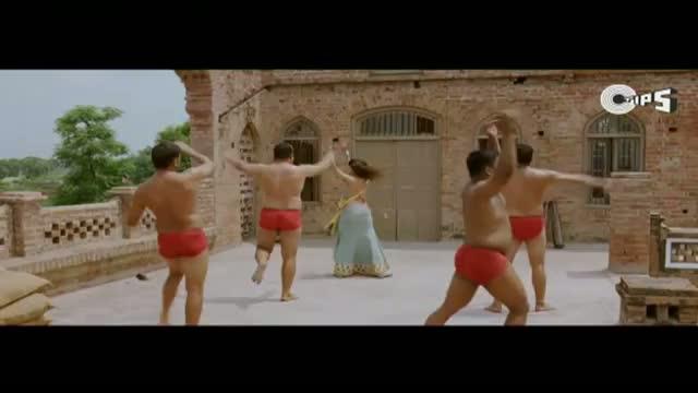 Mini Training Chaudhary's Men Pehalwaans - Tere Naal Love Ho Gaya Movie Scene