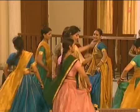 Bhansura Ke Aadat Kharaab (Superhit Bhojpuri Album Song) From Movie Gawanwa Lei Ja Raja Ji