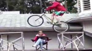 Guy Has Bike Skills