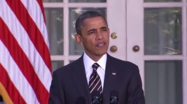 Raw - Obama Pardons Thanksgiving Turkeys