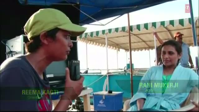 Aamir having fun while shooting Talaash   Aamir Khan, Rani Mukherjee