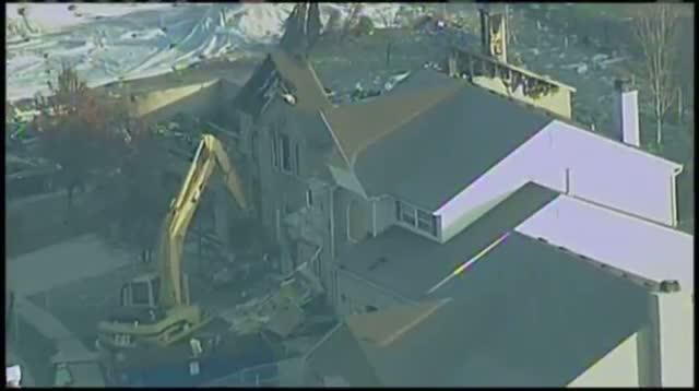 Raw: Crews Raze Homes After Deadly Ind. Blast