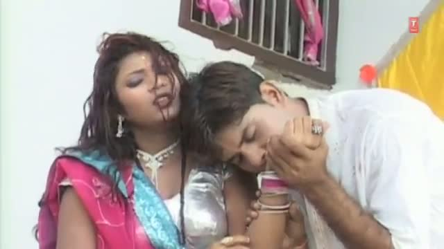"Kamar Ke Niche Takiya Laga Ke (Hot Bhojpuri Video Song) From Moive ""Maal Expire Ho Jaai- Bhojpuri Tan Tana Tan"""