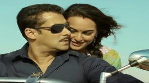 SAANSON NE - DABANGG 2 (OFFICIAL) VIDEO SONG - SALMAN KHAN & SONAKSHI SINHA