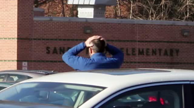 Gunman Kills 26 at Conn. School, Commits Suicide