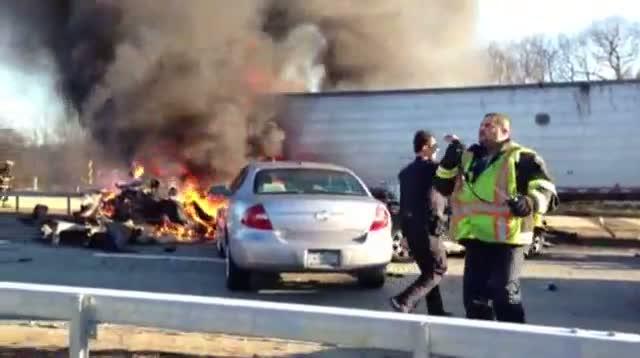 Raw - Pileup Shuts Down Long Island Expressway