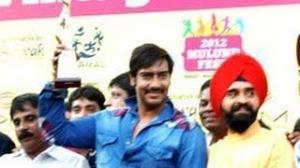 Ajay Devgn flags off Vintage Car Rally
