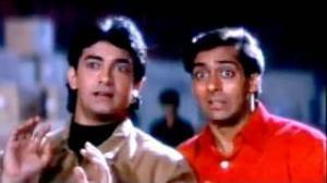 Andaz Apna Apna - Comedy Scene - Shakti Kapoor Fooled by Aamir