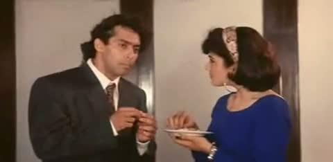 Andaz Apna Apna - Comedy Scene - Salman Khan Julaab Scene