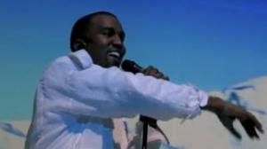 Kim Kardashian Is Pregnant With Kanye West Baby! Kanye Announces On Stage