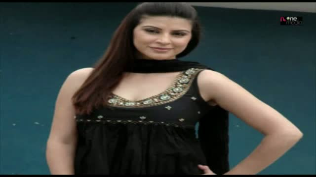Bollywood Actress karishma kotak hot photos With Biography Video