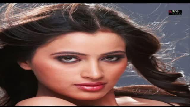South Indian Actress Navneet Kaur hot Photos