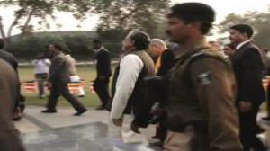 Dalai Lama unveils Lord Buddha statue in Patna